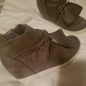 Shoes - New gray wedge sneakers